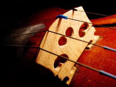 adjusting violin bridge